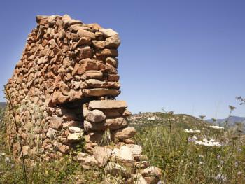 Ancora in pedi Localitài Sa Sarra - Cumunu di Loiri-Poltu Santu PauluFruntali di 'ecchiu stazzu