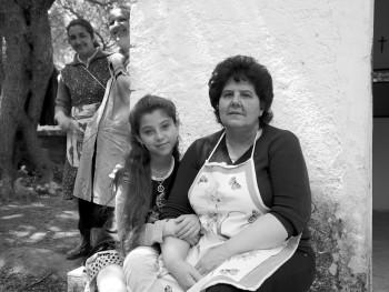 Li femini Località San Michele, ponte Liscia, San Pasquale - Comune di Tempio Pausania  Festa Campestre di San Michele, Socie a riposo dopo aver servito ai tavoli