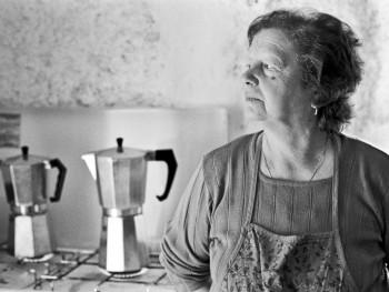 Lu caffè Localitài Santa Riparata - Cumunu di Locusantu  Festa di campagna di Santa Riparata, illa cucina ponini a fa lu caffè