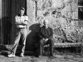Babbu e FiddoluLocalità Canaili - Comune di Luras Stazzu La Fica Niedda ritratto dei proprietari