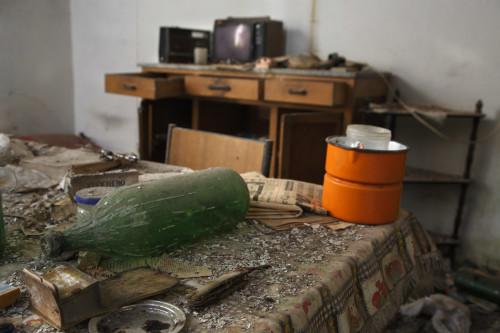 Televisore a candele Località Sa Mesana - Comune di Oschiri  Cucina di stazzo abbandonato e saccheggiato