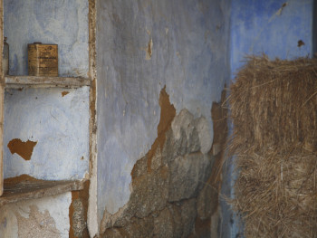 Perclorometano Cussorgia di Muntagna, Lu Palazzu - Comune di Tempio Pausania  Stazzi Lu Palazzu, interno di palazzetto abbandonato utilizzato per conservare il fieno